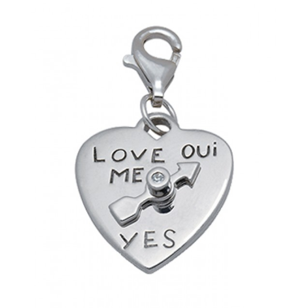 Pendant Love is...